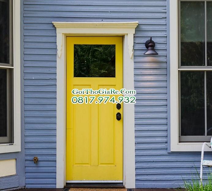 chọn màu sơn cửa trước với Màu vàng êm dịu