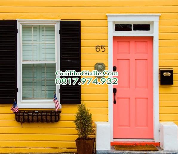 Sơn cửa gỗ màu San hô quyến rũ
