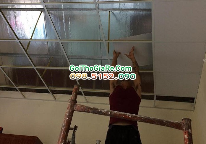 Đội thợ thi công trần thả thạch cao giá rẻ tại Hà Nội